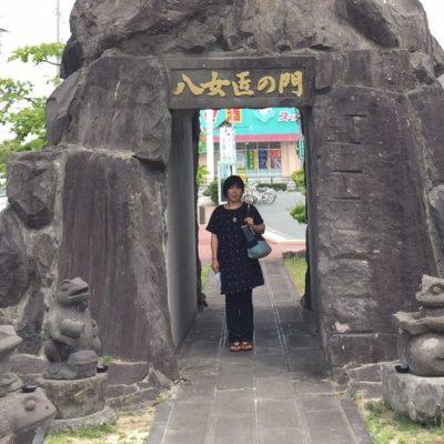八女の大きな石灯籠は伝統工芸館にあります