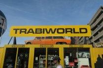 der Trabi darf natürlich in Ostberlin nicht fehlen