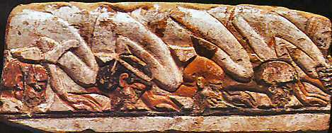 Bezoekers prosterneren zich voor de farao_Tempel van Aton