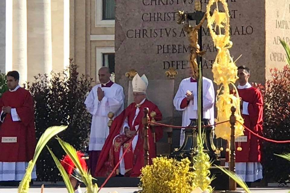 Mormons celebrate #PalmSundayWithThePope in the cradle of Christianity: Rome, Italy!