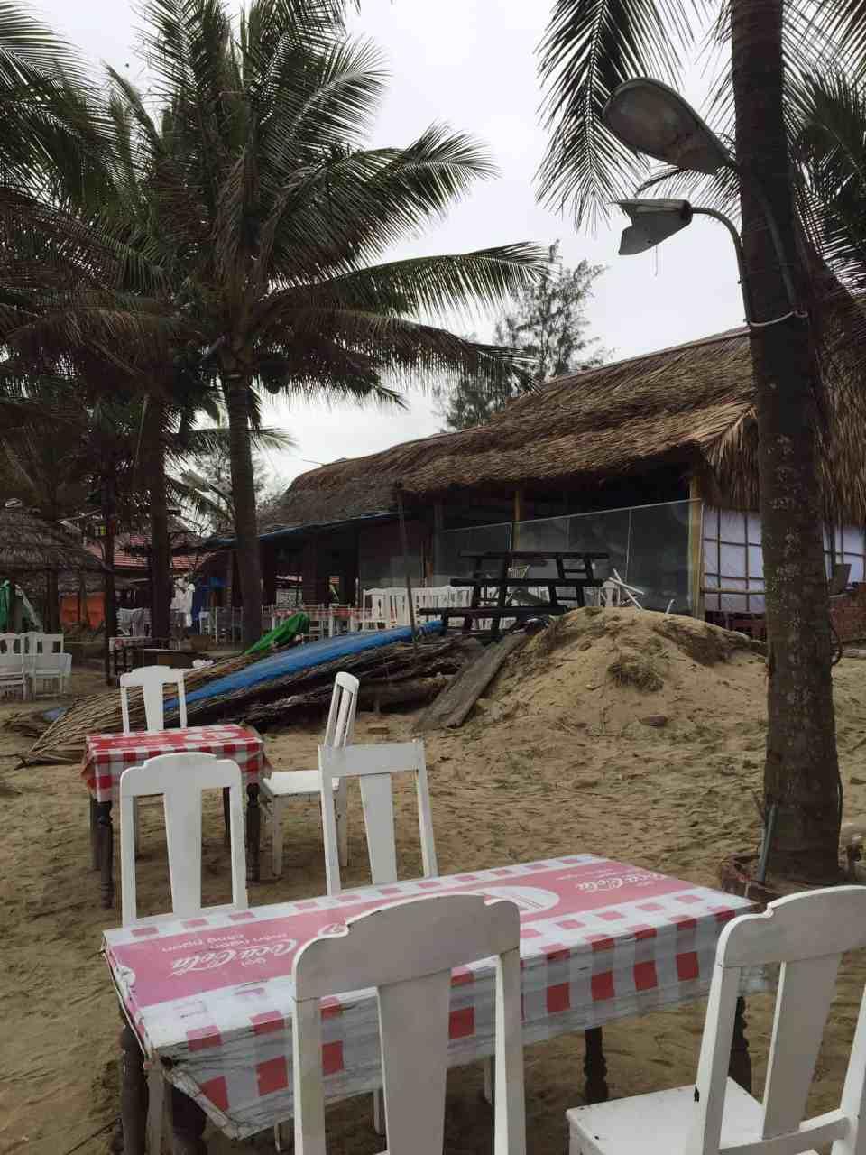 Den første lange travetur ved Hoi An Beach...