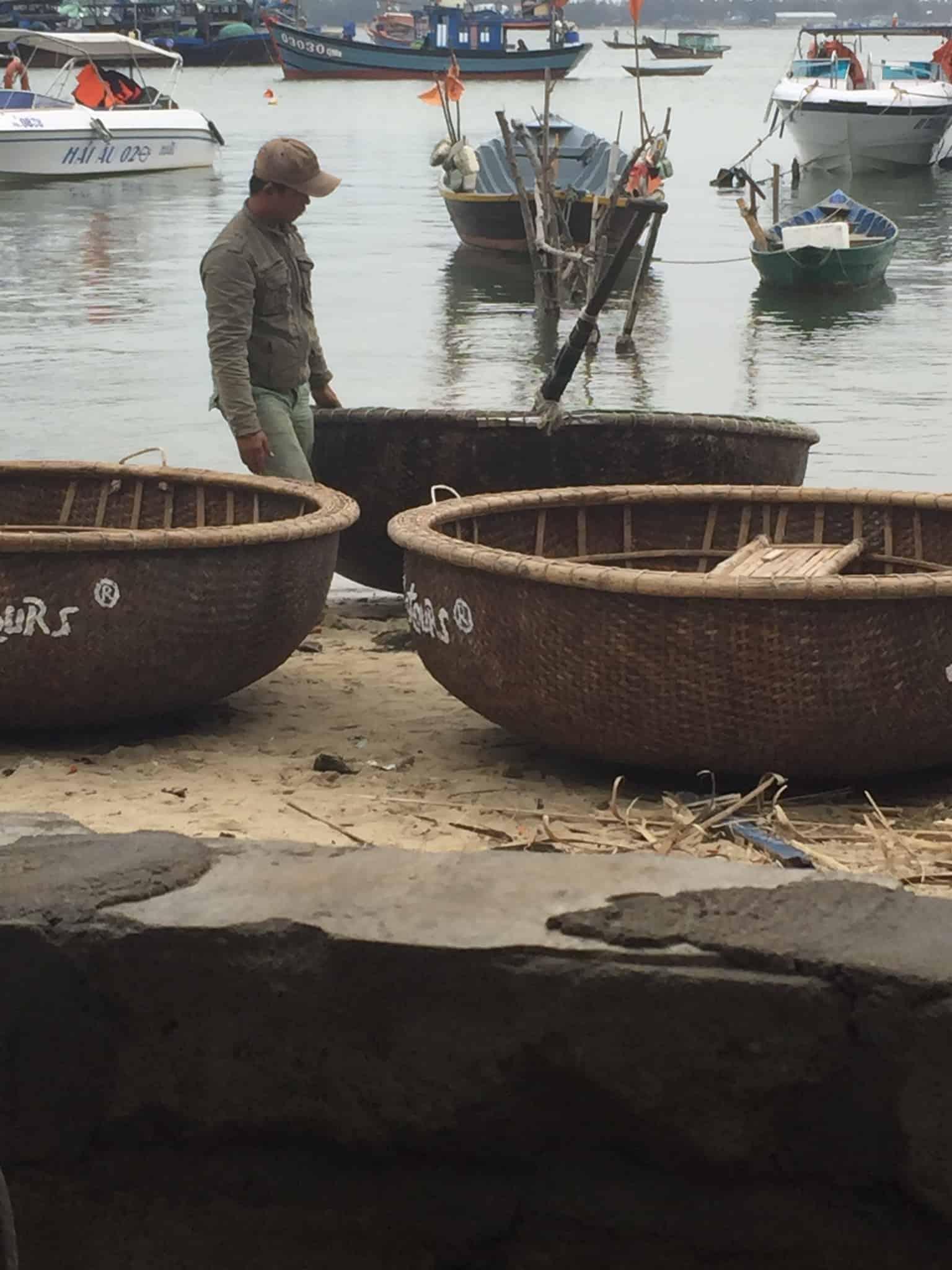 På tur udenfor kulisserne - og basket bådene...