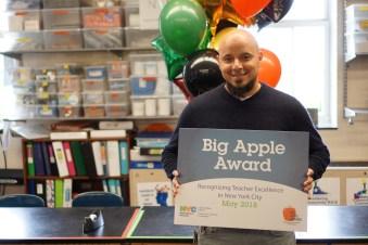 Mauricio Gonzalez of the Urban Assembly New York Harbor School is a 2018 Big Apple Award Winner