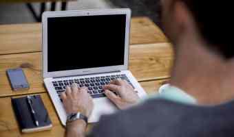 Don't Be Joe Bloggs – Be A Blogging Sensation Instead