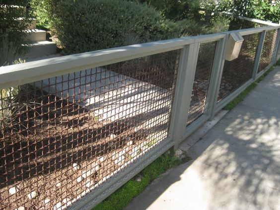 This Is Another Fence Design That Would Be Easy Enough To Figure Out.  Though It Doesnu0027t Come With A Tutorial, If You Are Handy, You Should Be  Able To Figure ...