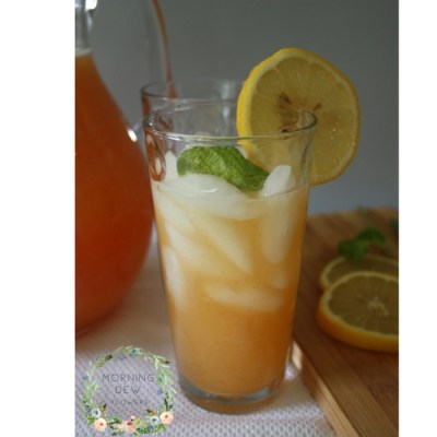 How to Make a Fresh and Easy Peach Lemonade