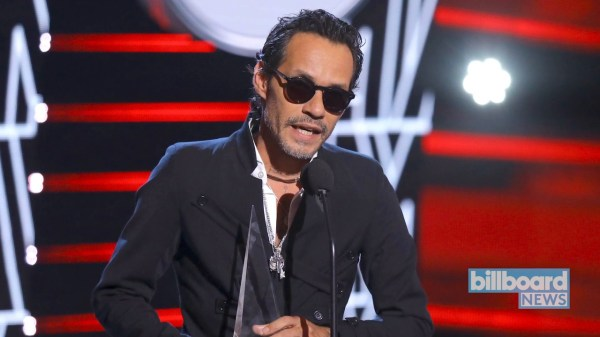 Marc Anthony Performs Passionate Tribute to José José After Taking Big Latin American Music Awards Honor Home!!