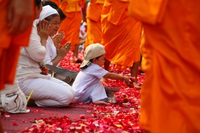 monks-455823_960_720