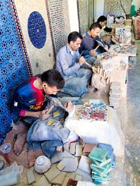 moroccan_zellige_tile_making