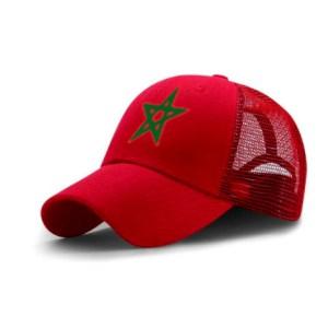 Rode pet met marokkaanse groen ster