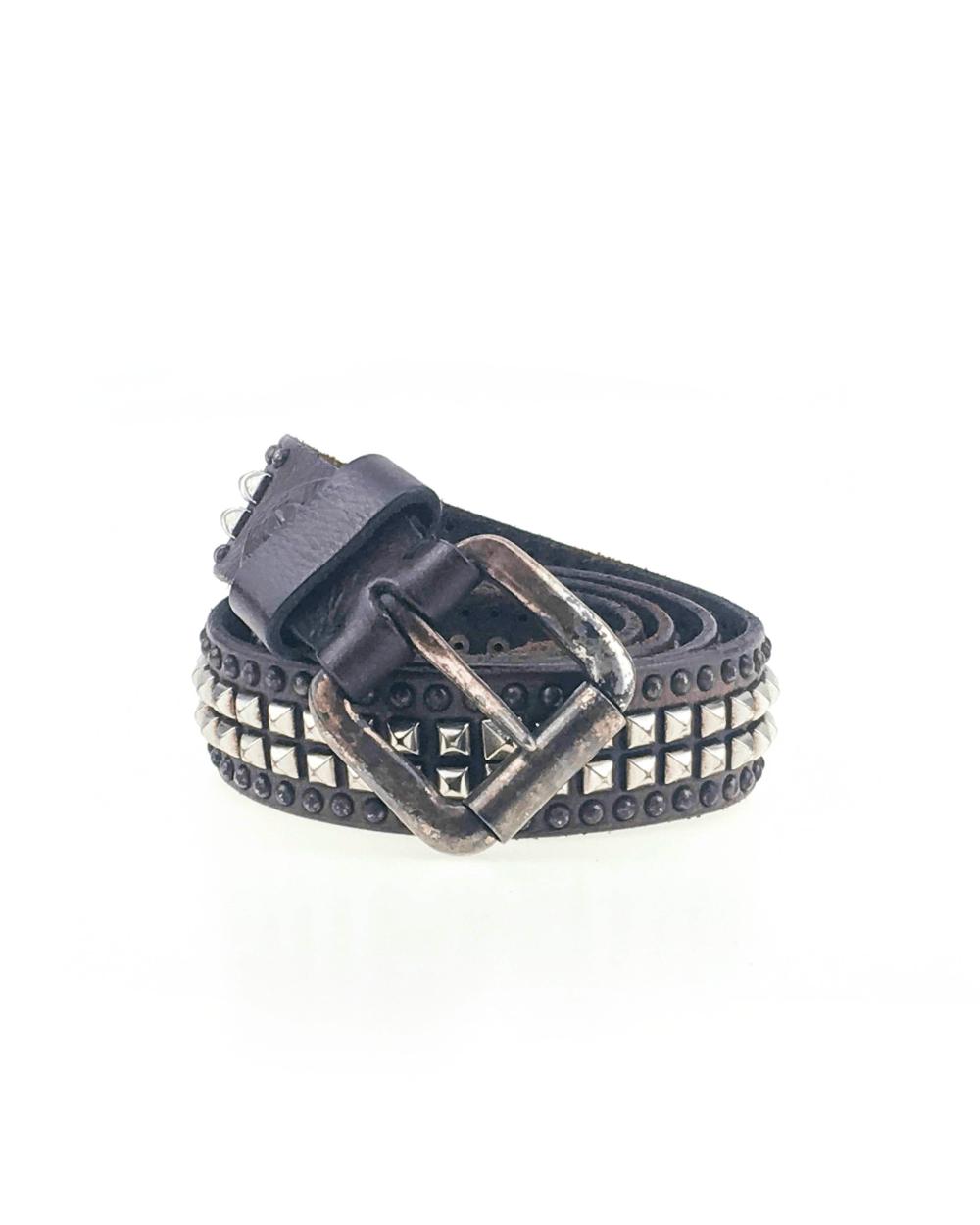 Cintura in cuoio e lavorata a mano con borchie a piramide testa di moro