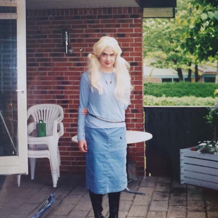 Morogmor blog - En transkvinde ironisere sig selv for at kunne være sig selv.