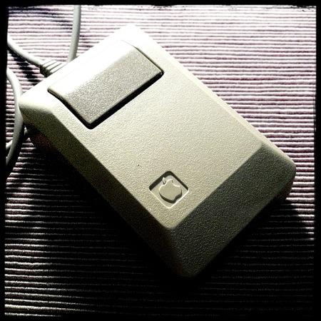 Apple Mouse M0100