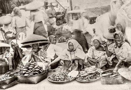 Street vendors in Manila