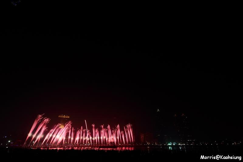 高雄燈會藝術節煙火秀 (10)