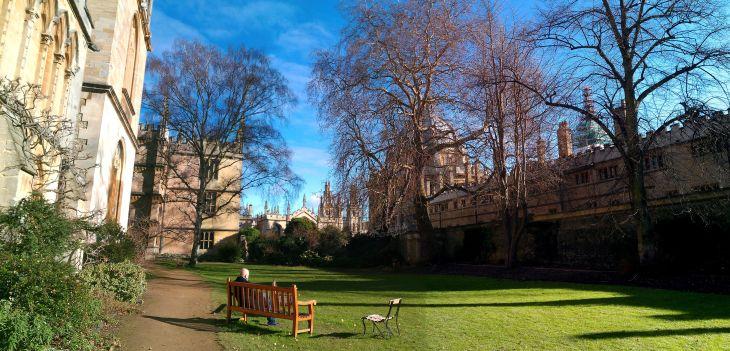 Fellows'_Garden_panorama