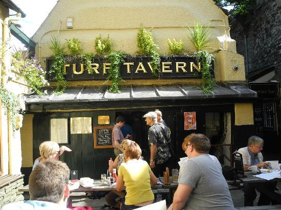 the-turf-tavern silent world