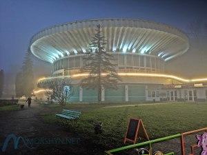 бювет Моршина в тумане