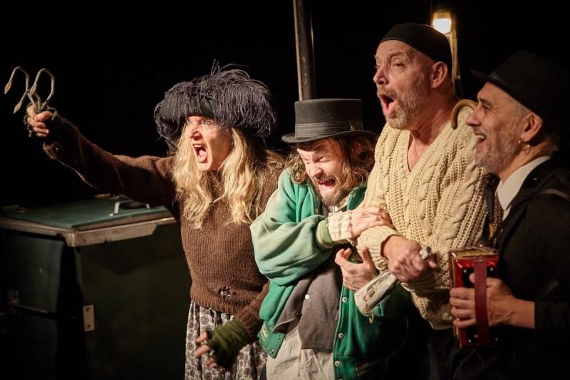 Aldriglandet - Teatret Møllen