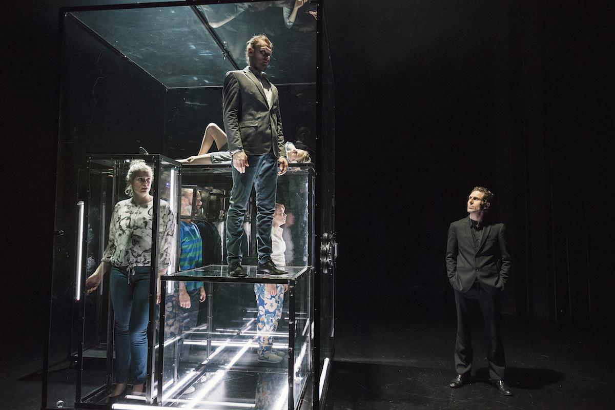 ANMELDELSE: Morph, Aarhus Teater