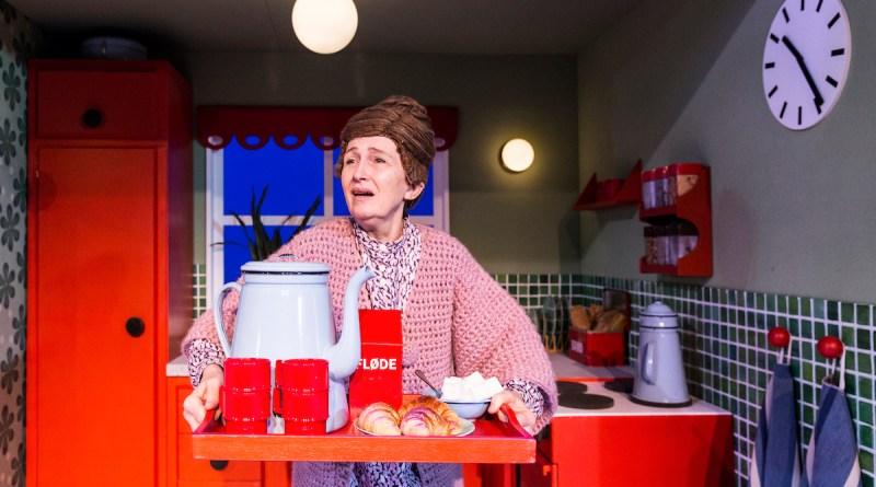 Bodil Jørgensen - Parasitterne - Aarhus Teater