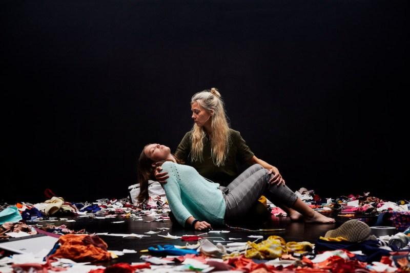 Pigen med bomberne - Mungo Park og Teatret St. Tv