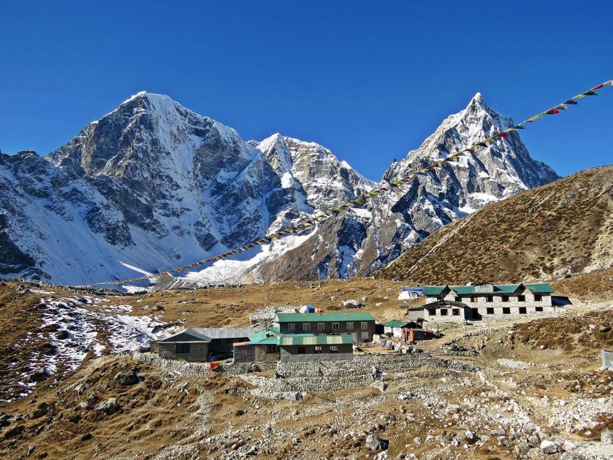 Dughla, Cholatse, Himalaja