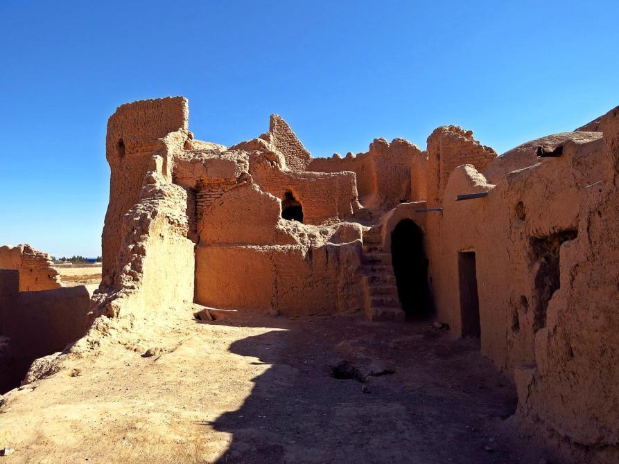 In den Mauern der Festung von Saryazd