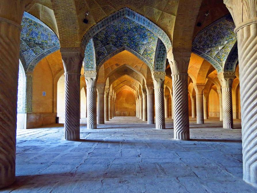 die Gebetshalle der Vakil Moschee