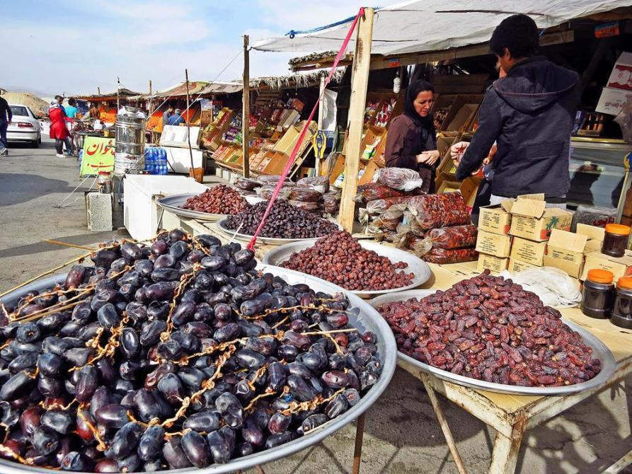 Dattelverkäufer am Straßenrand, Iran