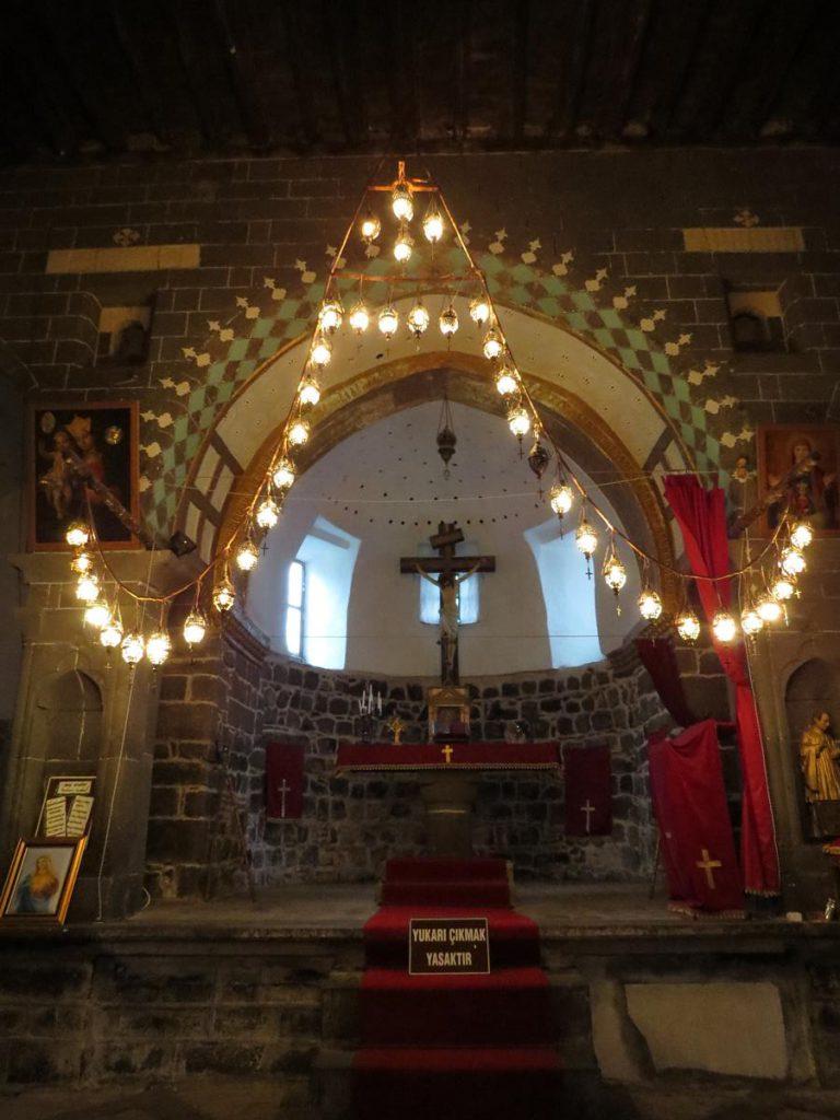 Altar in der Sankt-Marien-Kirche, Diyarbakır