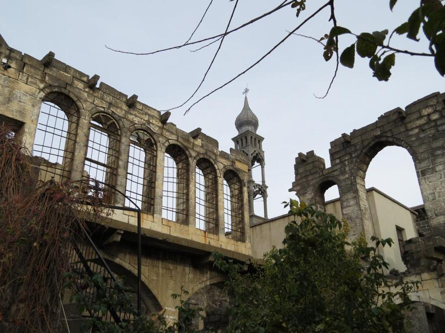 Altstadt und Glockenturm, Sankt-Giragos-Kathedrale, Diyarbakır
