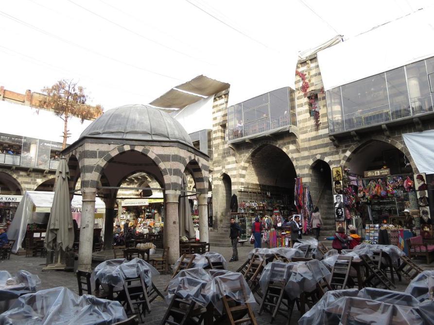 Innenhof der ehemaligen Karawanserei Hasan Paşa Hani