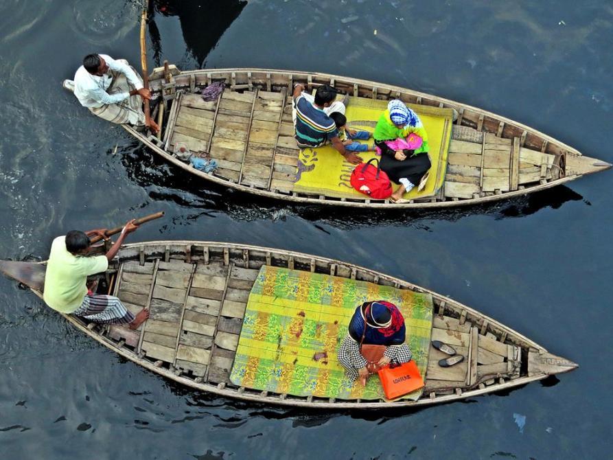 hölzerner Ruderboote auf dem Buriganga in Dhaka, Bangladesch