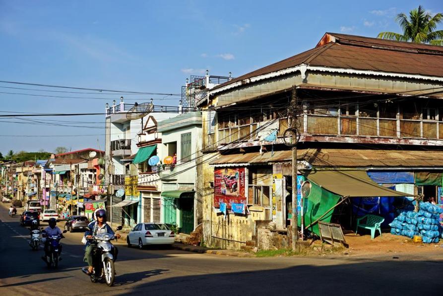 Koloniales Gebäude im Stadtkern von Mawlamyine, Myanmar