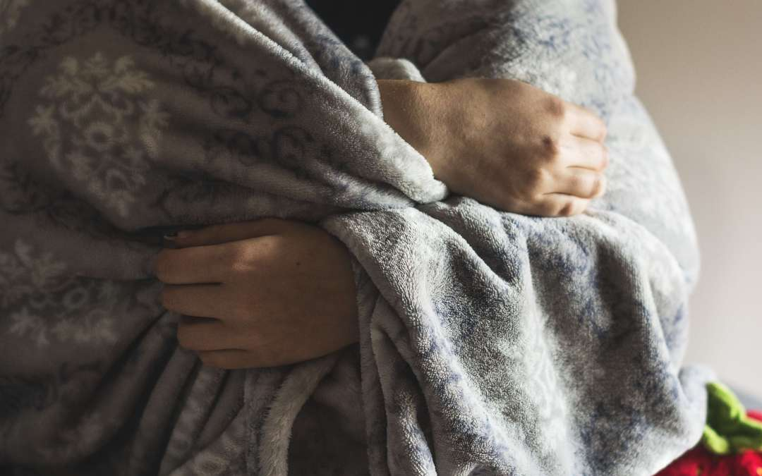 14 ways to stay warm at home without raising your heat