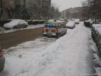 Dezapezire str. Leonardo da vinci Oradea - decembrie 2012 - 5