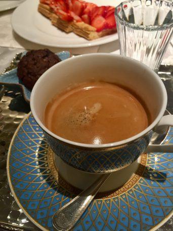 Coffee break at the Four Seasons