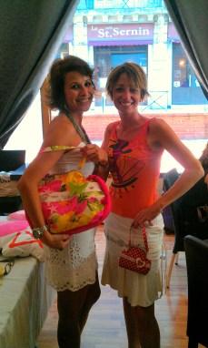 Moëra et Vero avec des supers sacs Mosaique De Vero ♥ !