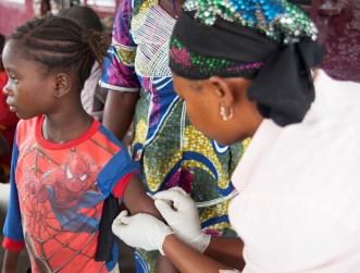 Vaccination  contre la rougeole à Gueckedou_avril  2015