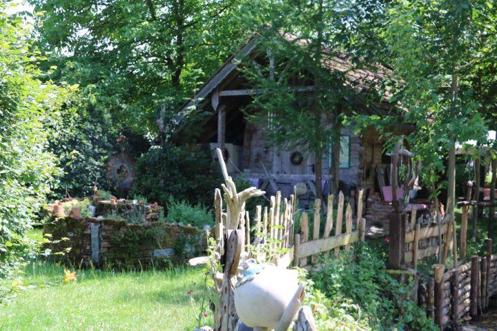 Auf Besuch in fremden Gärten: Bei Maria in Saiga Hans