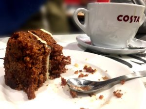 Dessiner chez Costa avec un carrot cake