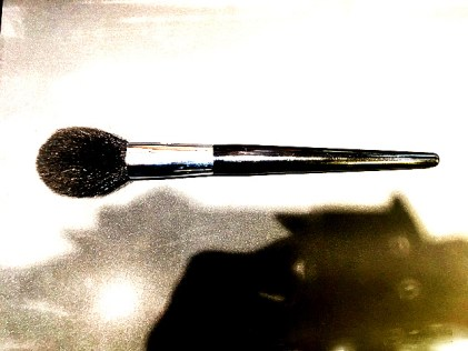Pinceau de maquillage détourné pour faire les fonds d'aquarelle
