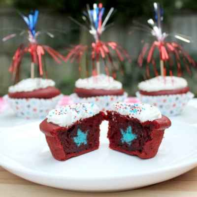 Fourth of July Surprise Cupcakes Duncan Hines Summer Velvets