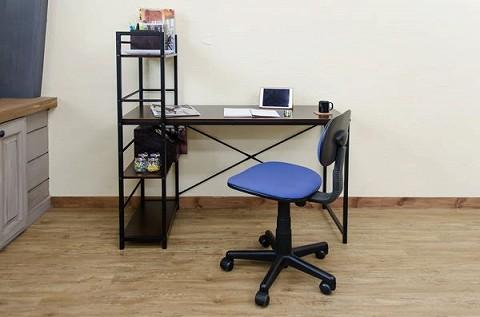 リビングの一角が、デスクワークコーナーに!※サイドラックを左に組み立てた例です。 ※[ご注意]デスクのみの商品です。椅子小物などは付属しません。