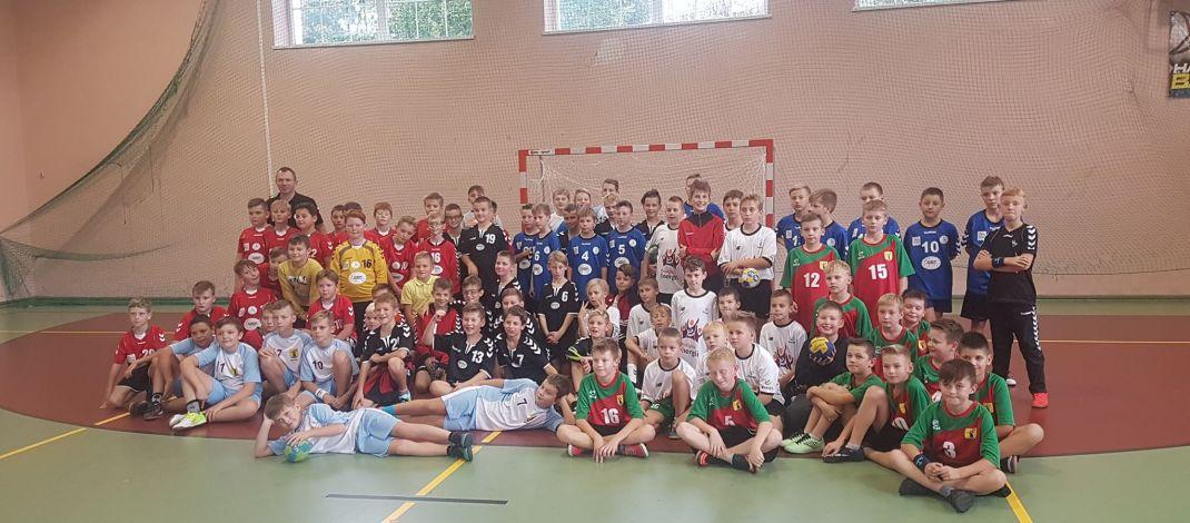 Znakomita gra najmłodszych kętrzyńskich szczypiornistów podczas turnieju w Bartoszycach