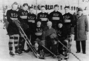 1936r.- drużyna hokejowa RSV