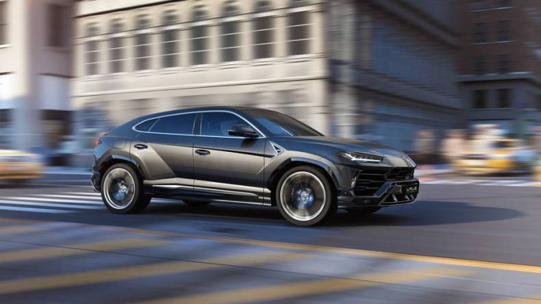 Lamborghini SUV Urus 2019 Mosnar Communications 2