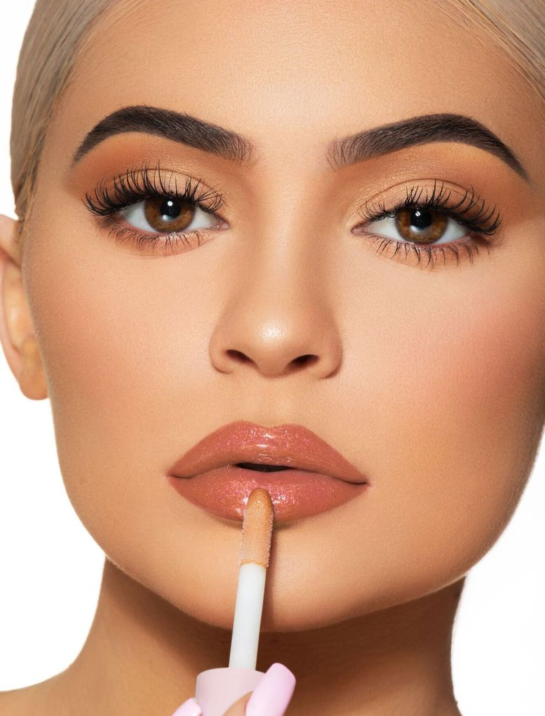 Kylie-Jenner-Kylie-Cosmetics-Mosnar-Communications