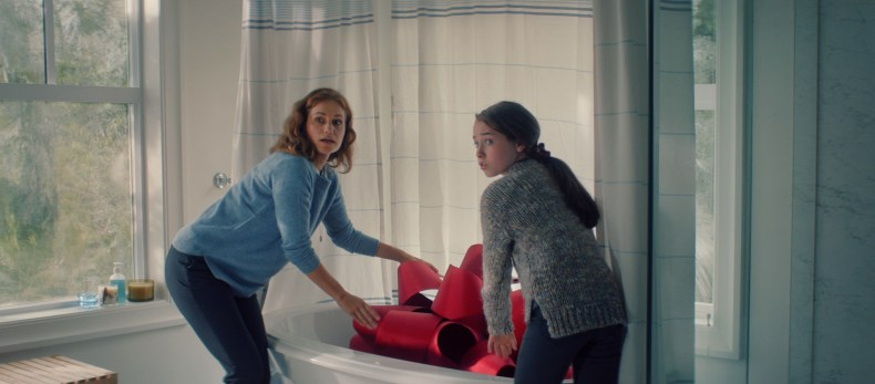 Lexus-December-to-Remember-Campaign-Mosnar-Communications-2